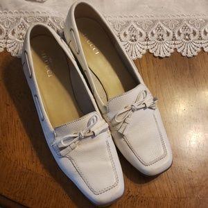 Meucci white Oxford Leather Tassle shoe sz 12
